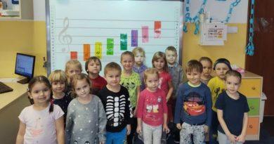 dzieci z Gminnego Przedszkola w Buczku