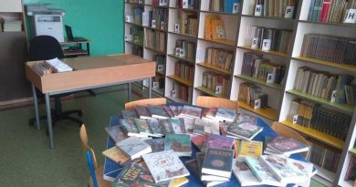 książki szkolnej biblioteki w Czestkowie