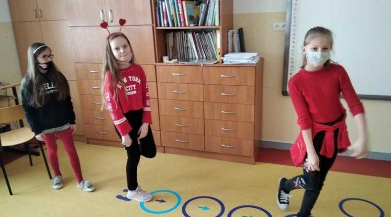 naklejki w Szkole Podstawowej w Czestkowie