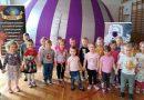 Przedszkolaki w planetarium