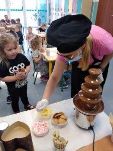 czekoladowe warsztaty w przedszkolu